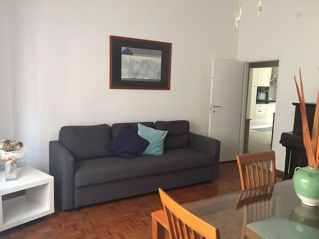 Sunny flat surrounded by garden - Piombino - Huoneisto