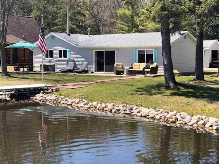 Lakehouse w/great fishing on full recreation lake
