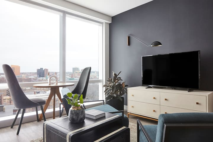 Sonder | Pierce Boston | Sleek Studio + Laundry