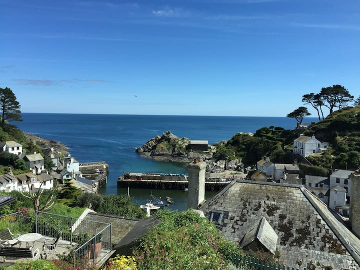 Polperro Dog Friendly Holiday Cottage with A View!