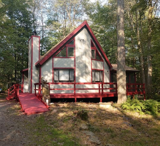 Rustic Mountain Home - Summer Lake and Ski Slopes!