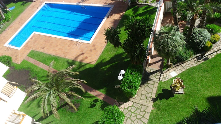 Sea view 2 Bedroom apartment with swimming pool