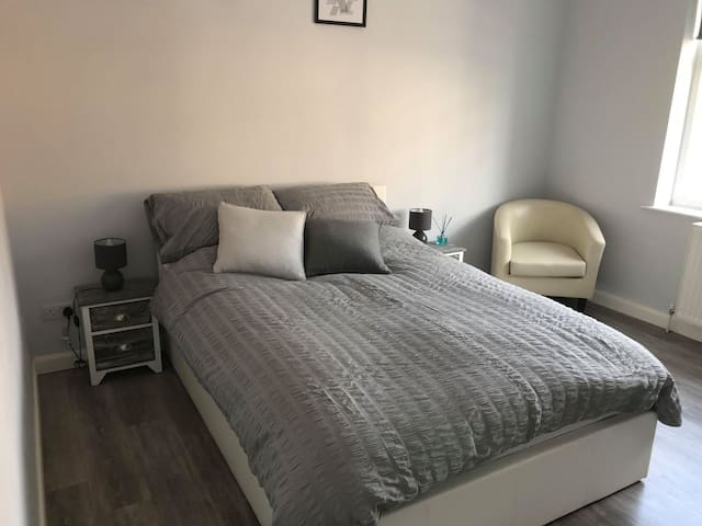 Just Like Home - Cool and Chic (Double Room 1)