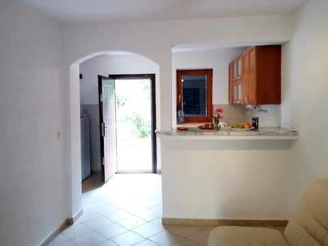 Nice apartment (2) for 2-4 in 60m to beach