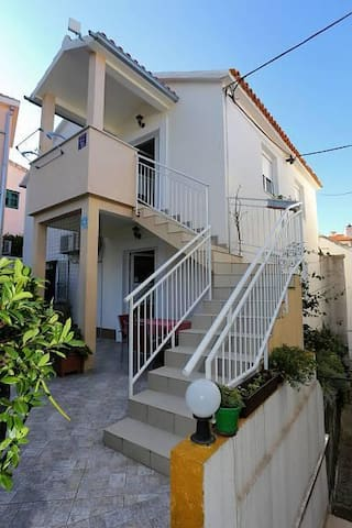 One bedroom apartment with terrace Promajna, Makarska (A-10329-a) - Krvavica - Daire