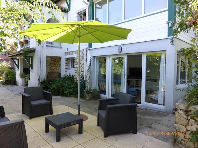 BeauT2 dans villa typique + jardin - Arcachon - Rumah
