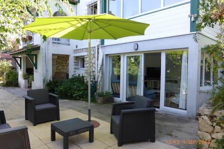 BeauT2 dans villa typique + jardin - Arcachon - Hus