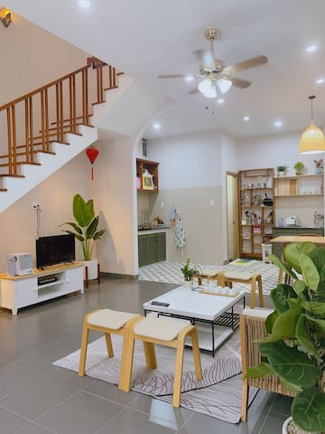 CHANH Homestay 🍋🍋🍋 (PRIVATE HOUSE FOR GROUP OF 10)