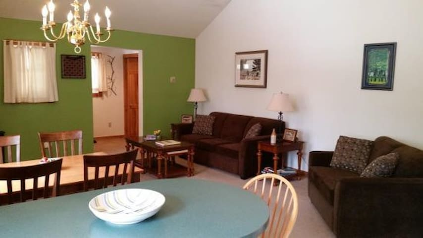 1 BR Condo sleeps 5, Stowe Village