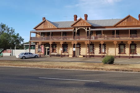Caltowie Hotel Bed & Breakfast