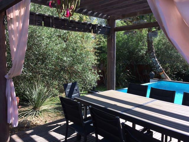 Villa in a zen & natural environment - pool & spa