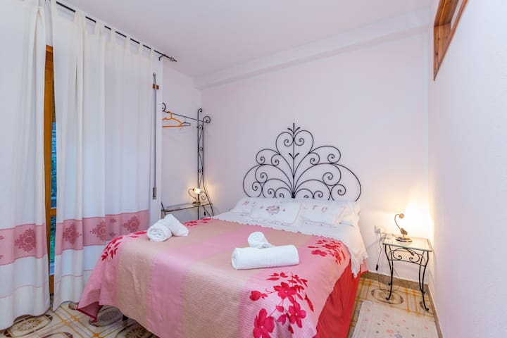 Li Criasgi room | B&B LI CRIASGI - Aggius - Bed & Breakfast