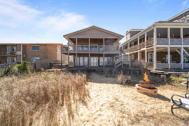 OCEAN FRONT! Barefoot Bungalow, Updated beautiful 2/2