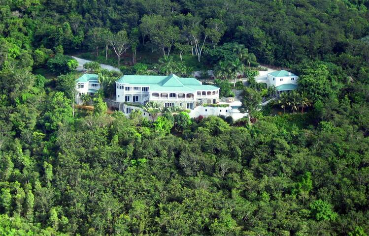 Guest House of One of Tortola's Finest Estates!