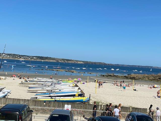 Studio vue mer face à la plage
