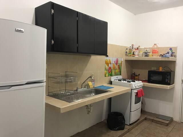 Yellow room hab priv en Altabrisa bien ubicado - Mérida - Apartament