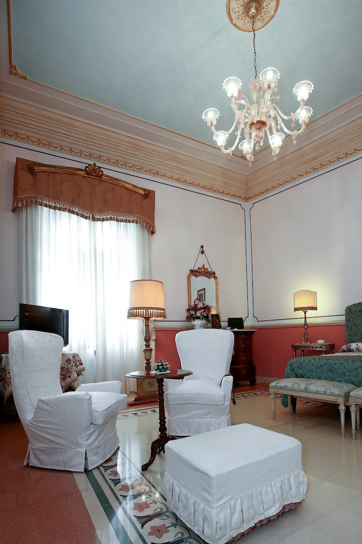 Flora charming B&B, Rose Room luxury in the City