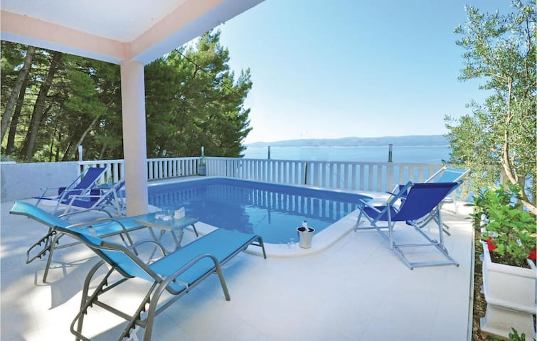 Holiday apartment with 2 bedrooms on 40m² in Mimice