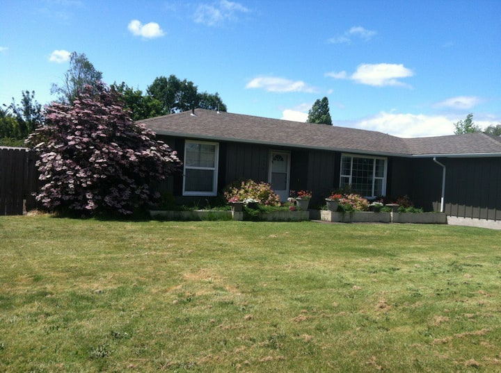Great home in Albany OR, 15 miles from OSU