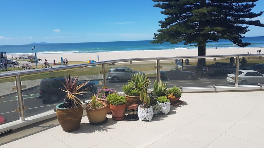 MT MAUNGANUI, PRIME BEACH FRONT/ best in NZ