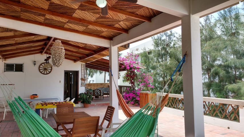 200 steps to the beach, Punta Blanca entrada 10 - Manta - Haus