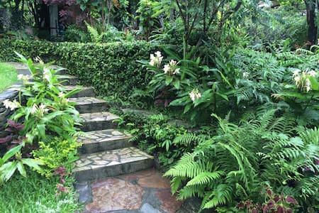 """Die """"Gartensuite"""" bei Krishna's Kitchen & Cottages - Pokhara"""
