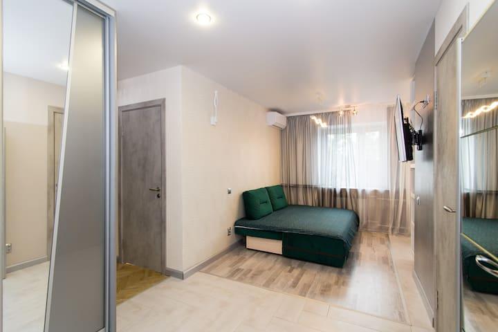 Гостиная_диван в разложенном вид/ Living Room