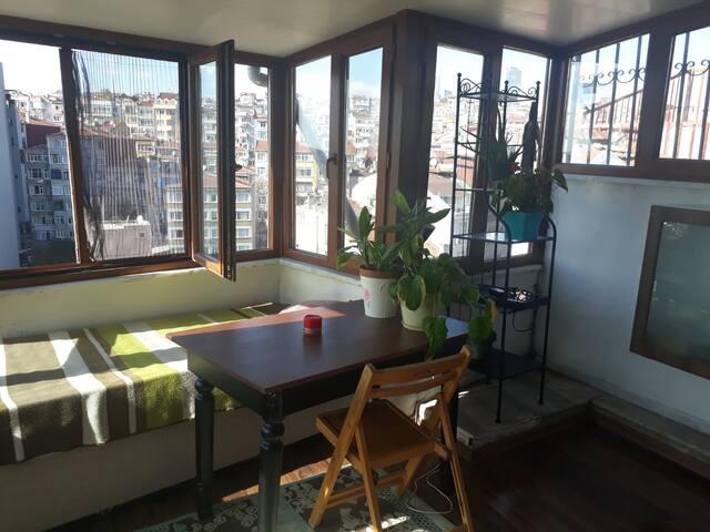 Private Room & terrace in Nişantaşı &Taksim