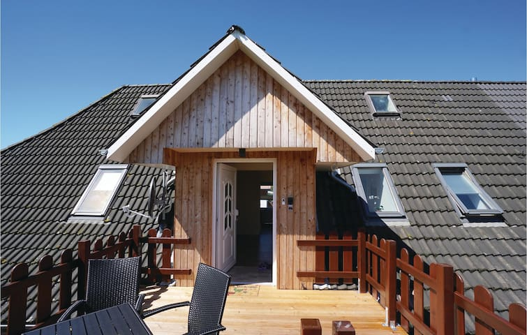 Holiday apartment with 2 bedrooms on 66 m² in Gelting