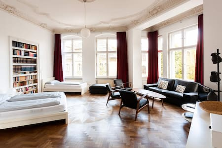 Beautiful apartment in the center of Berlin