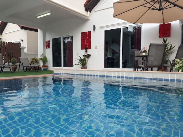 4 Bedroom Pool Villa in Fishermans Village