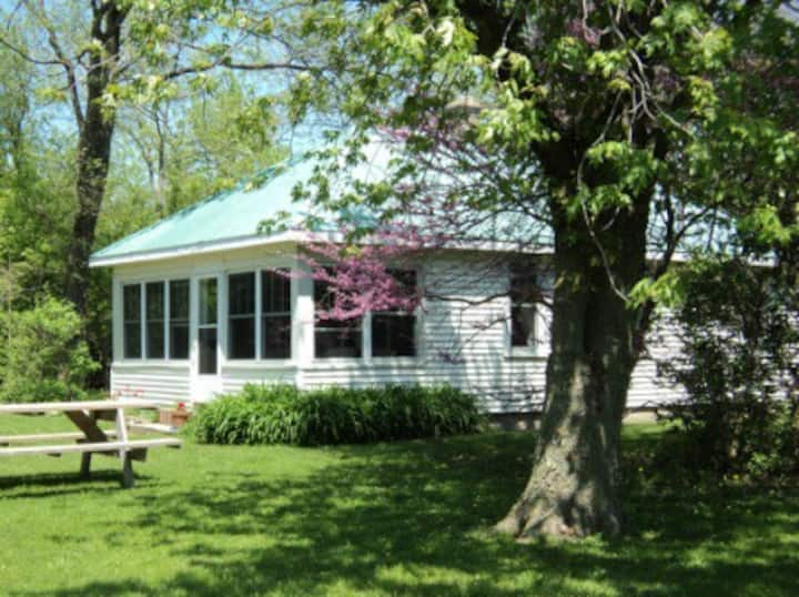 Lake Muse Guest Cottage