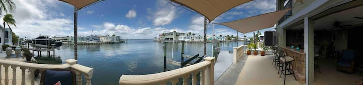 Riverview Villa- Waterfront *private pool/beach*