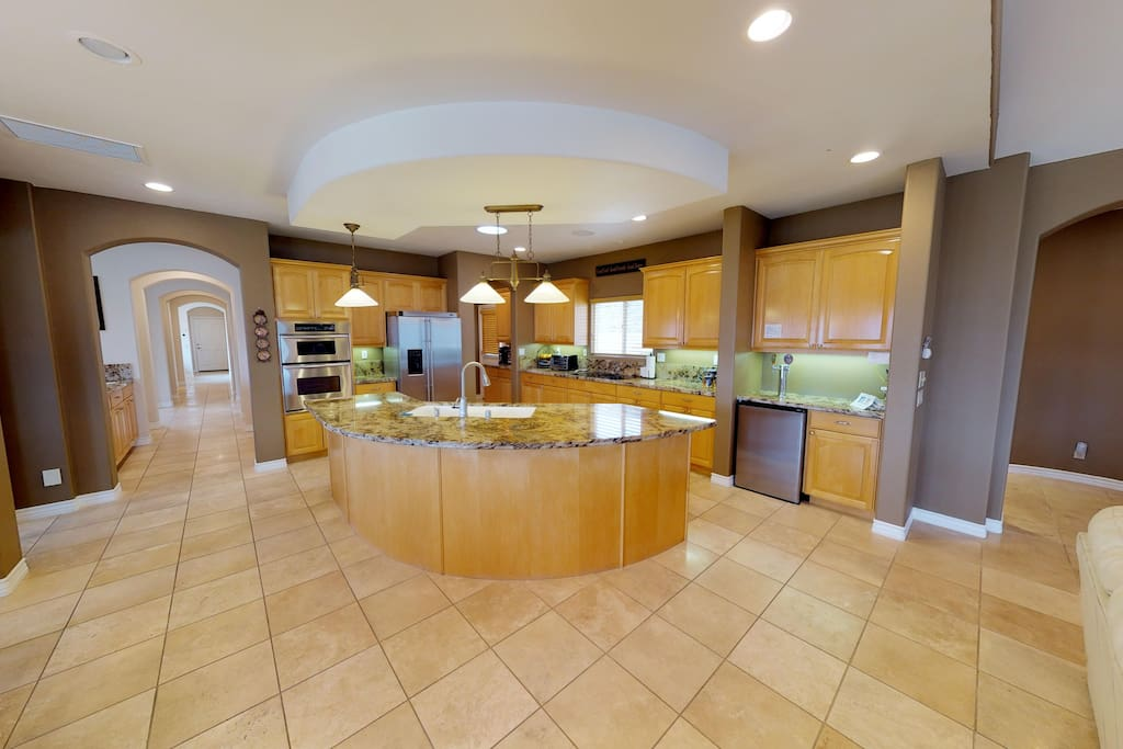 Beautiful Kitchen - with beer keg Machine on Request