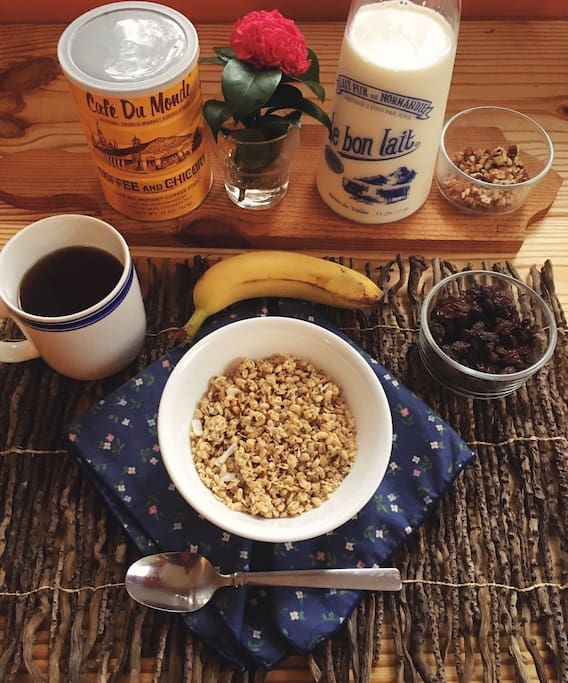 Another example of a light organic breakfast and beverage included with your stay.