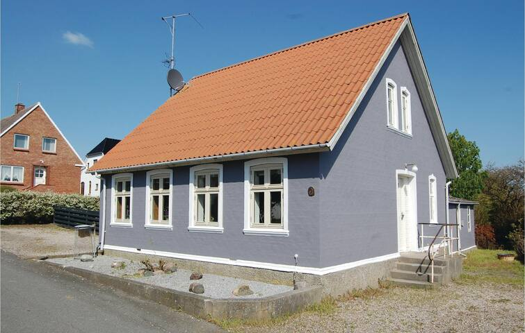 Holiday cottage with 4 bedrooms on 115m² in Bagenkop