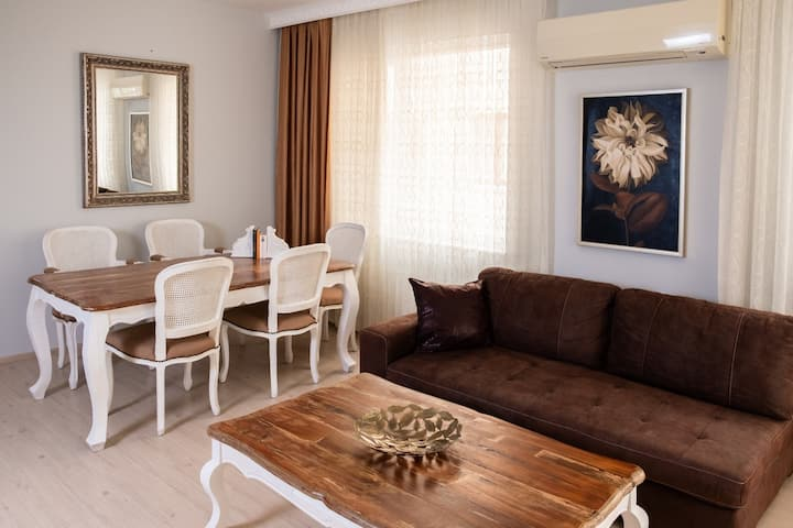 FAMİLY APARTMENT 6 PEOPLE ROOMS WİTH BALCONY