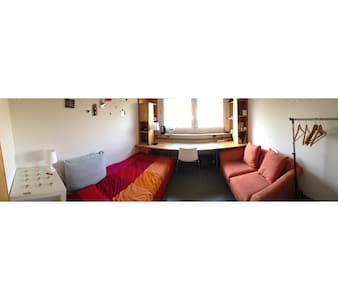 Cozy appartment 15 mins away from city centre - Augsburg