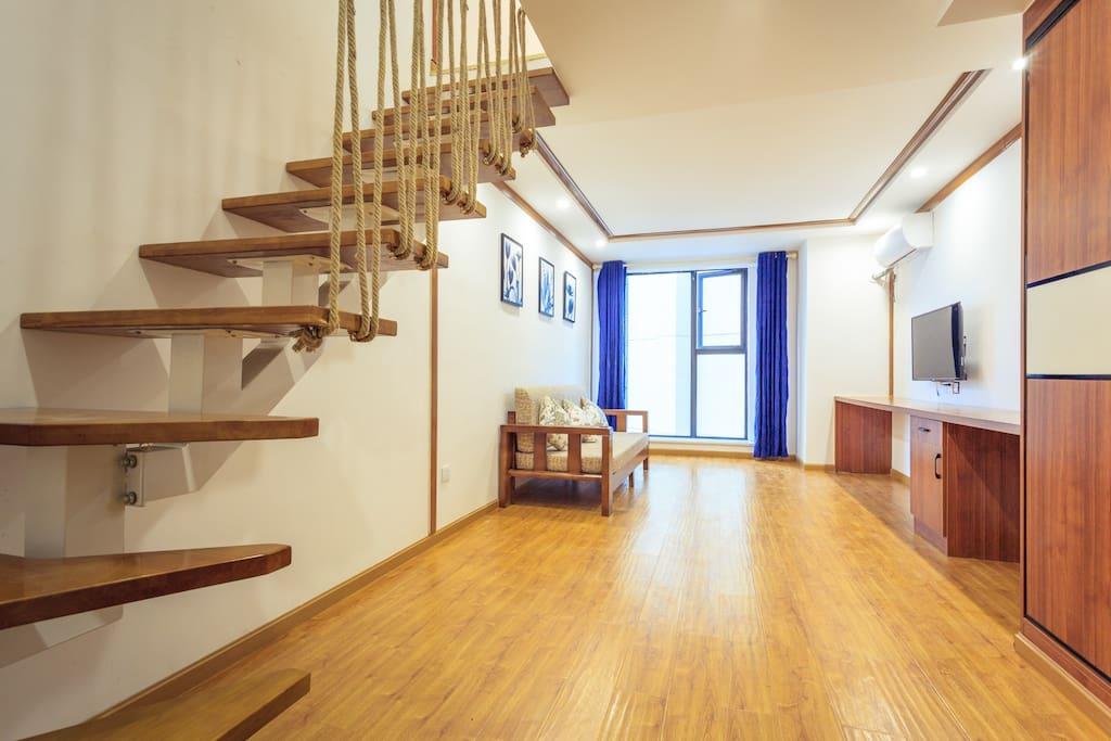 豪华大床房东南亚风情客厅