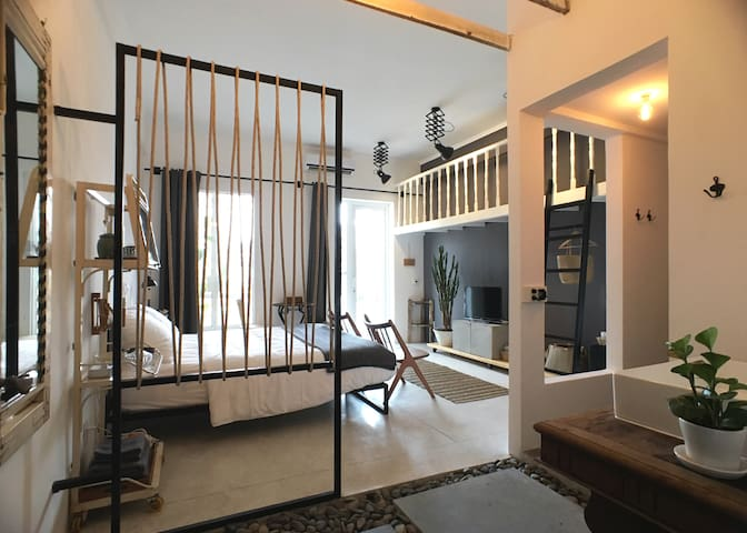 SAIGON WHITE Studio Apt In Center Ho Chi Minh City