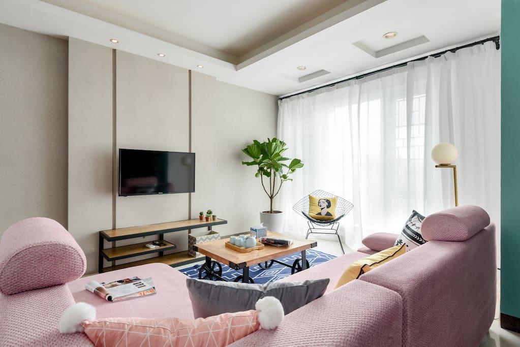 温馨的客厅,与朋友聊天最开心