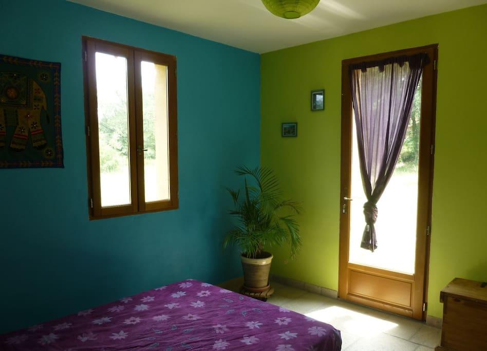 Lovely double room. Chambre double RdC avec terrasse.