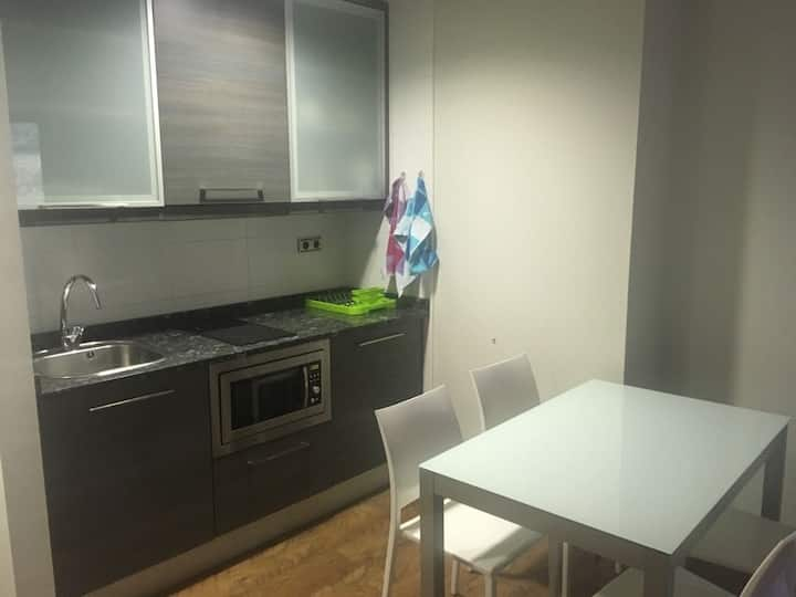 Small & practical equiped appartement (4 persons)