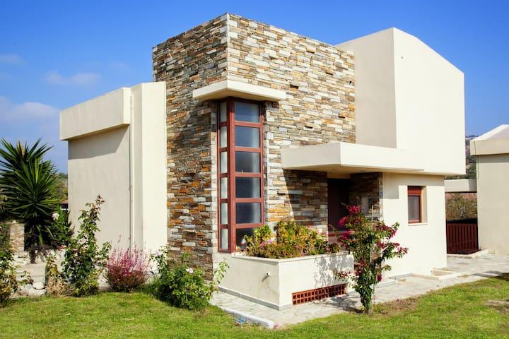 OLIVIERA villa