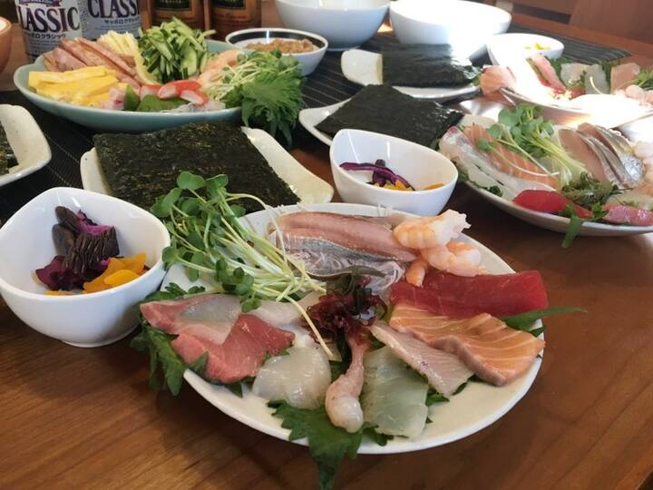 Many kinds of sashimi