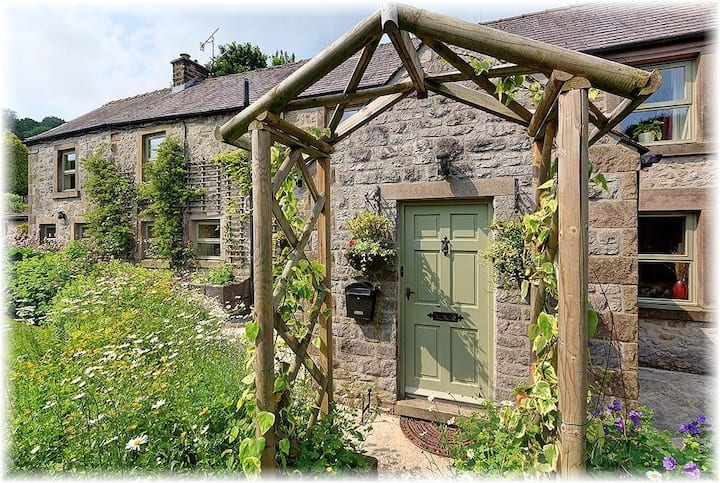 Ivy Cottage, Peak District Luxury Accomodation