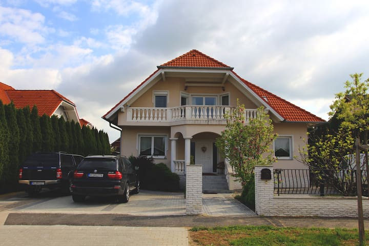 KORNELIA APARTMENT FOR RENT - Bük - House