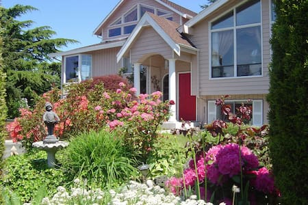 西雅图北部海湾旅游景区独立家庭式公寓房间 - Mukilteo - Talo