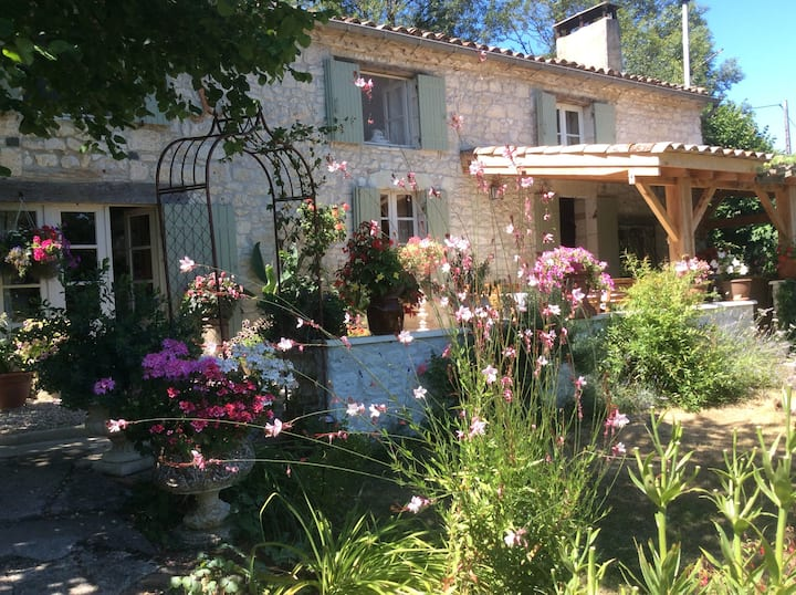 L'Arche, a charming, relaxing and peaceful stay.