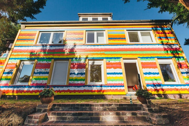 Charmant wohnen, in frisch renovierter Villa :)